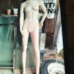 Headless fem. mannequin