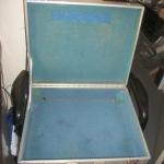 Aluminium case (openned)