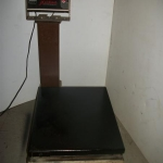 Scale electronic 200lb/90kg.capasity 4 floor use
