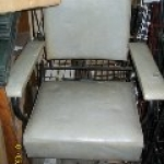 styling-chair-gray-older
